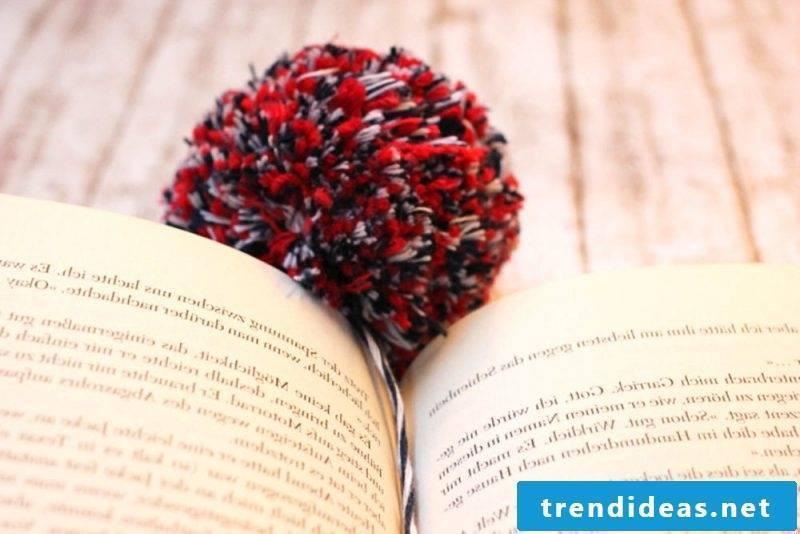 Make bookmarks yourself Pompom