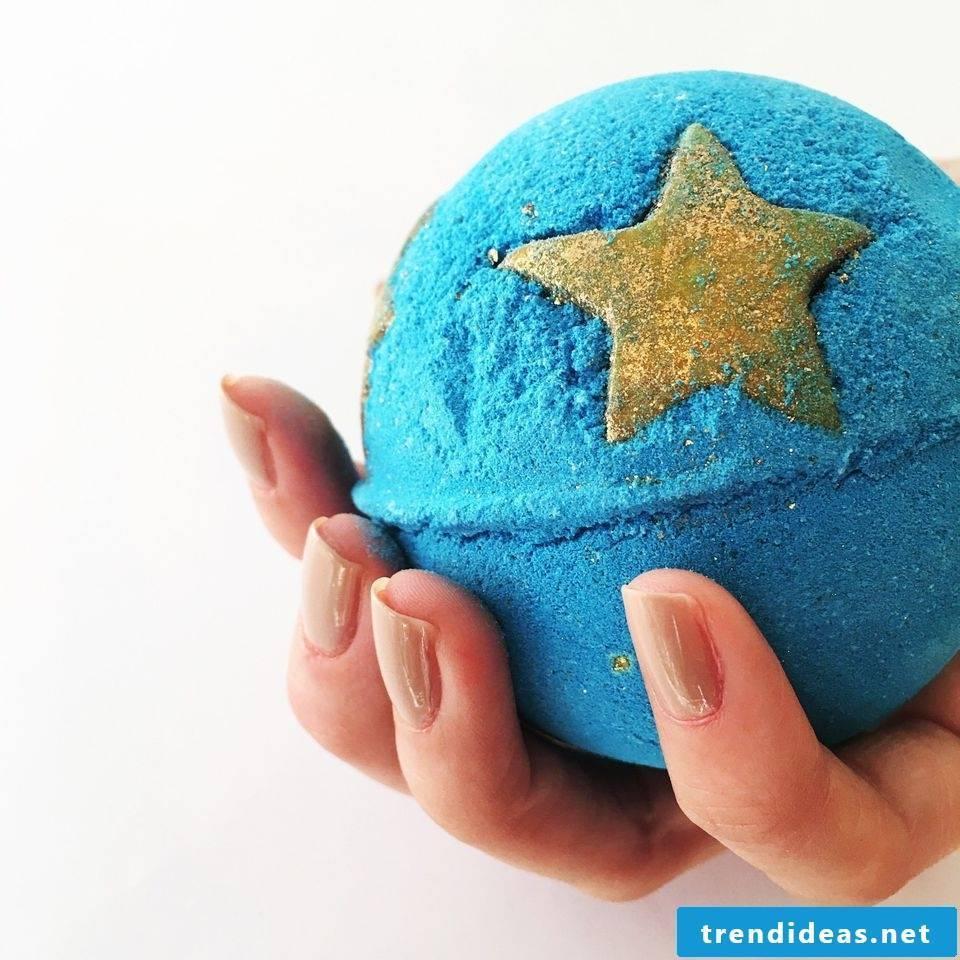 Christmas presents made by yourself - make bath balls yourself