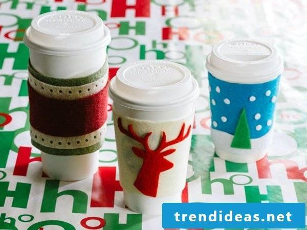 Christmas presents homemade - decorate plastic cups