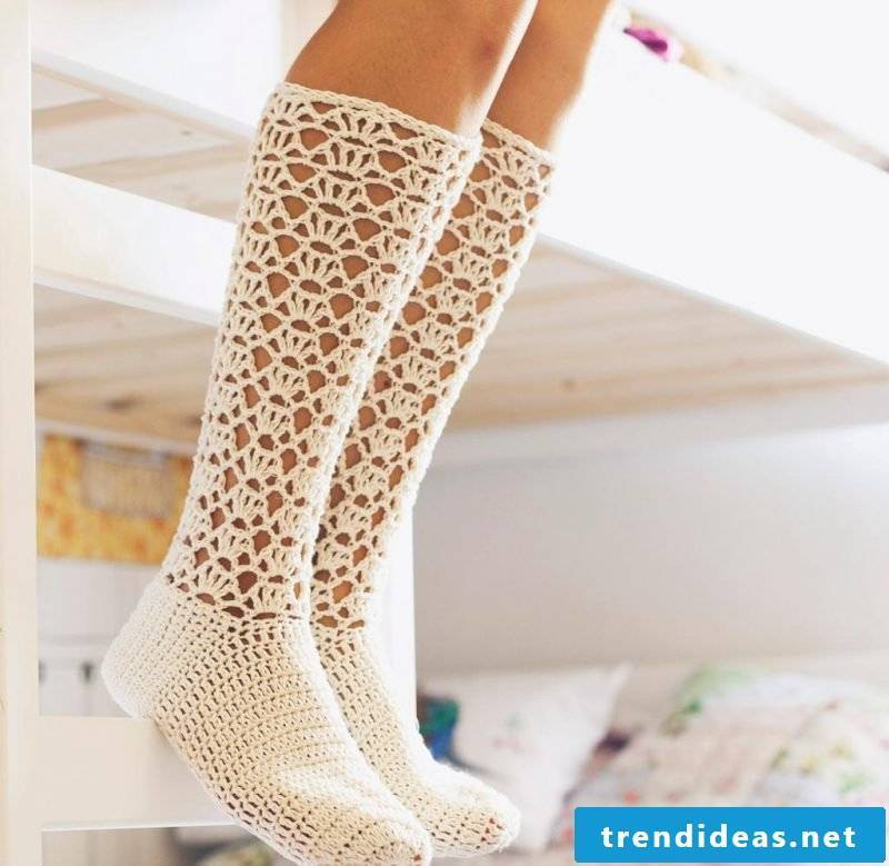 Knitted pattern for socks with holes