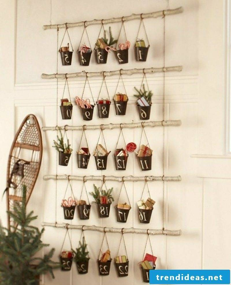 Advent calendar attractive Eimer garland made by yourself