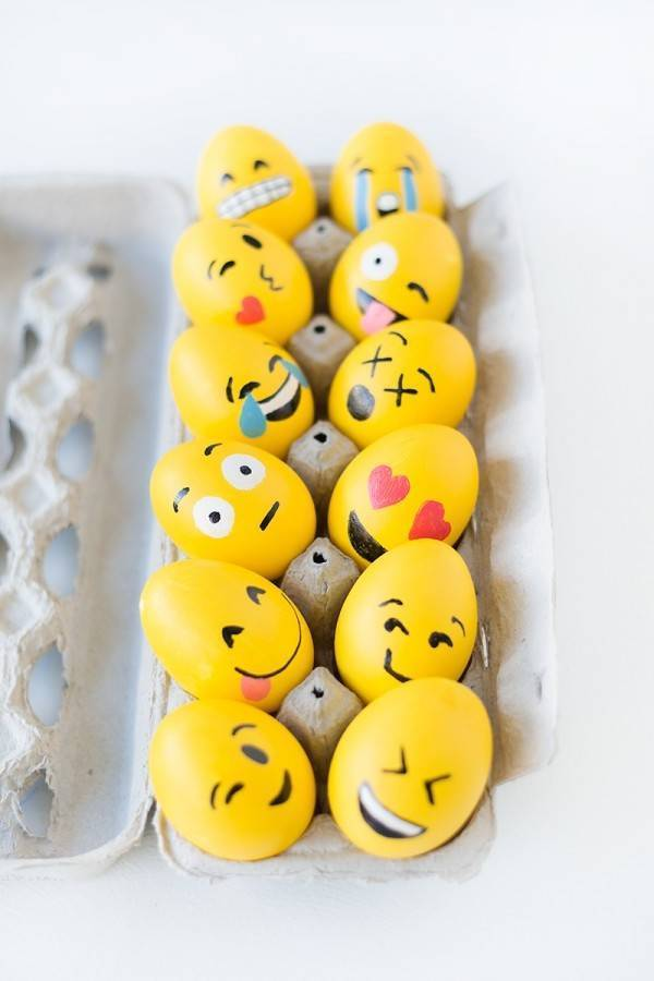Kiss, wink, tears, smile, surprise - all the emotions on your funny eggs faces