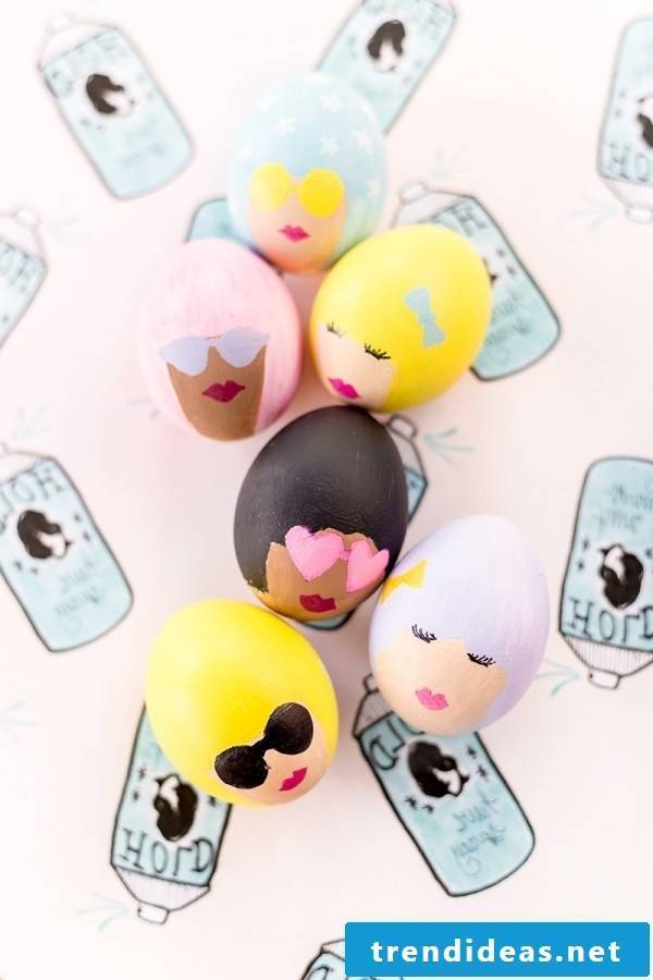 Great DIY inspirations for Easter eggs coloring can be found here