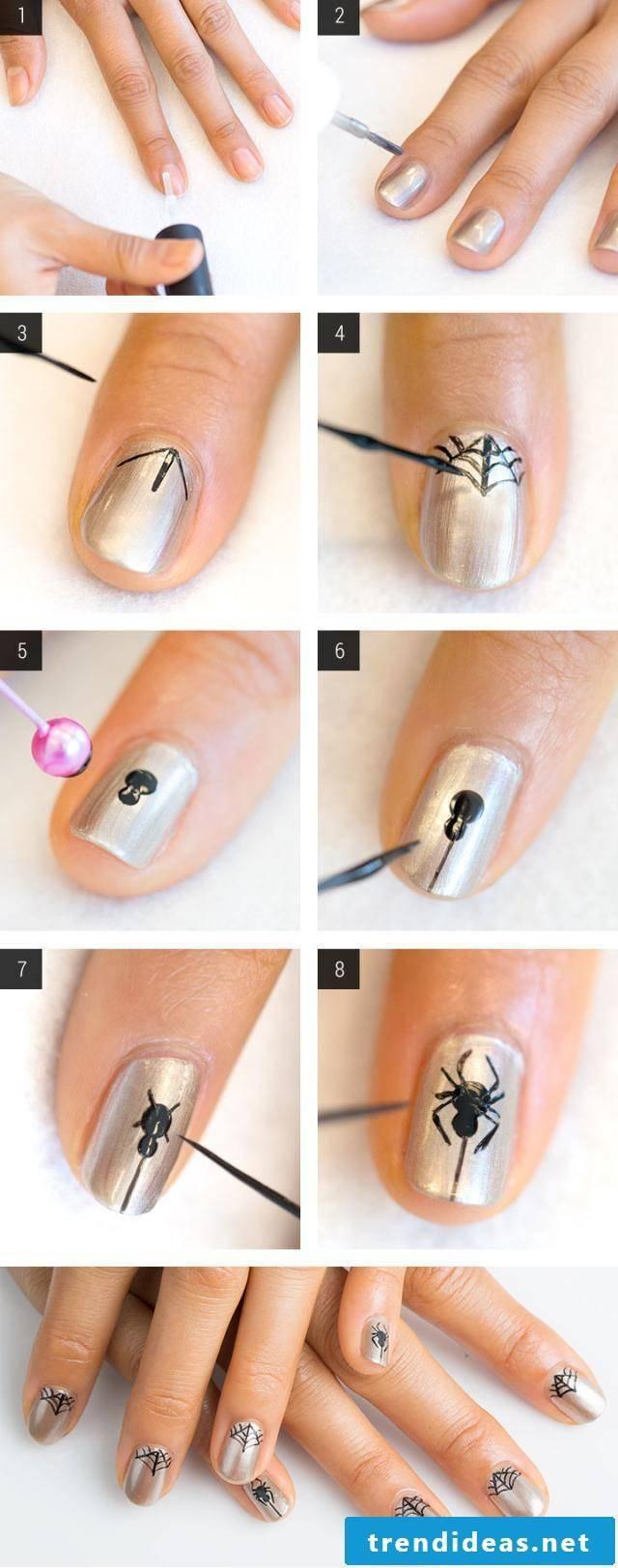 Fingernail motifs golden