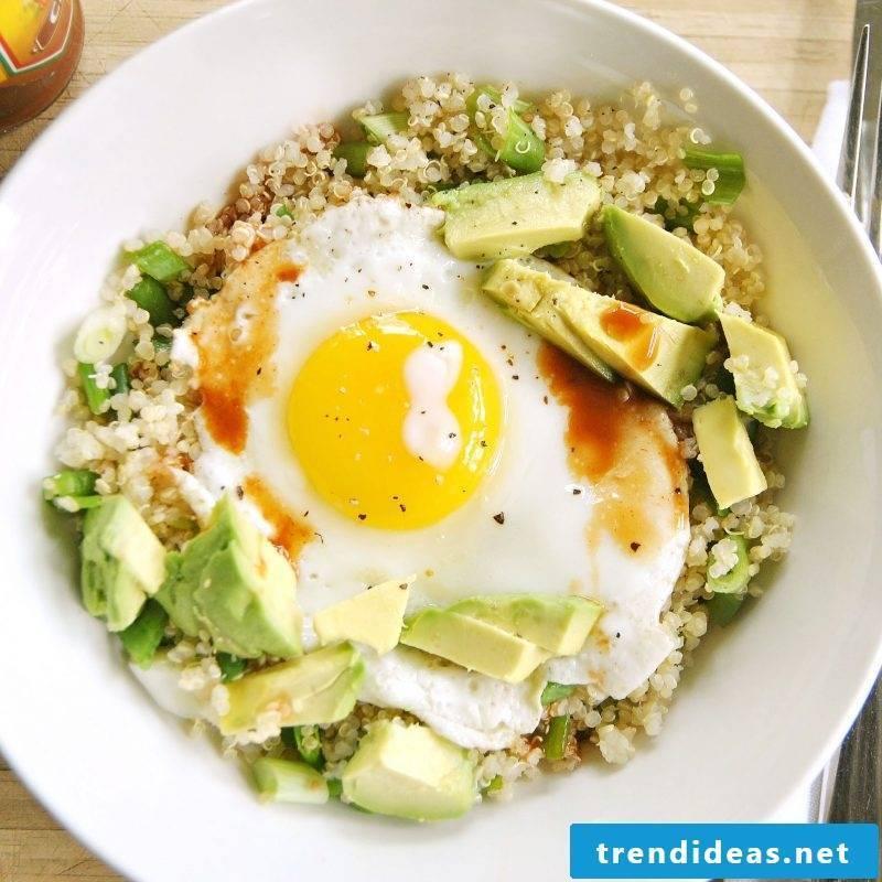 Quinoa breakfast avocado egg