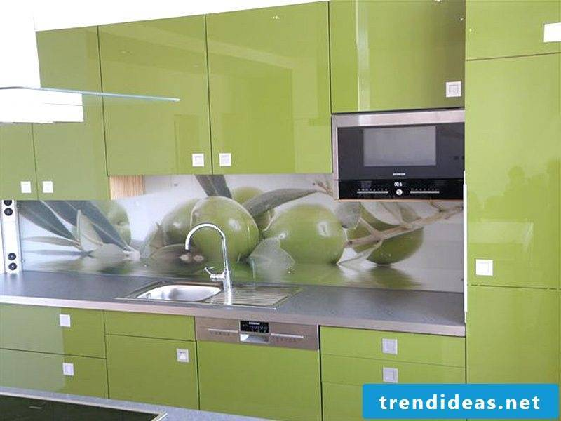 kitchen glass back wall green