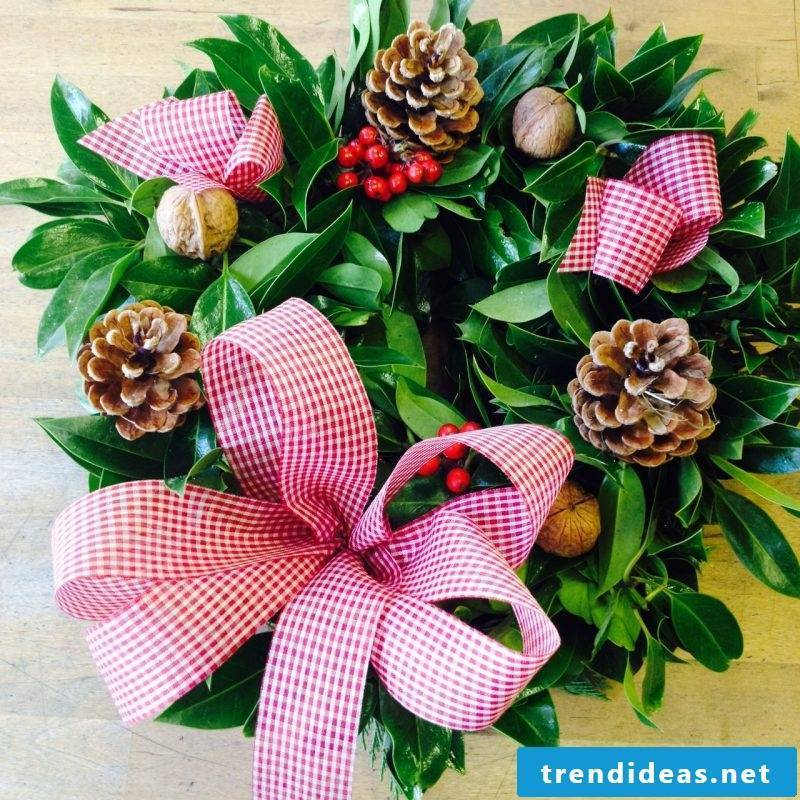 Order Advent wreath or tinker