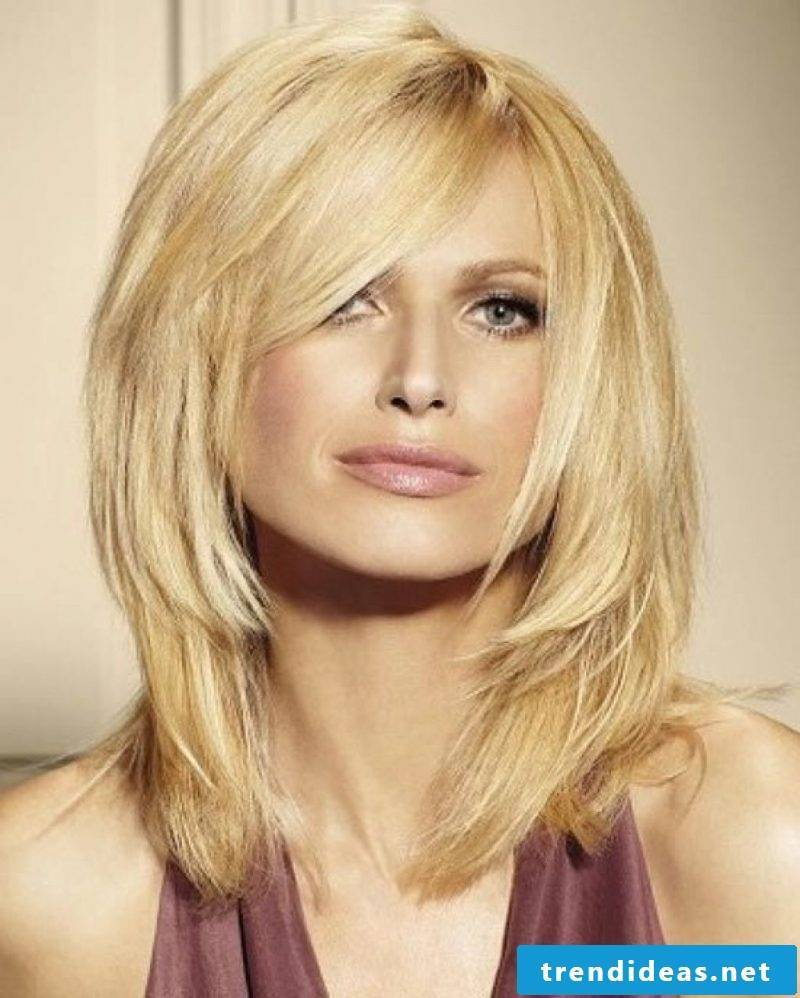 middle aged hairstyles blonde