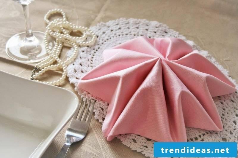 star-napkin wrinkle idea
