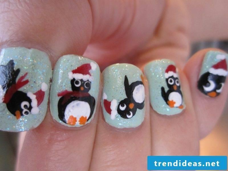 Gel nails pattern penguin