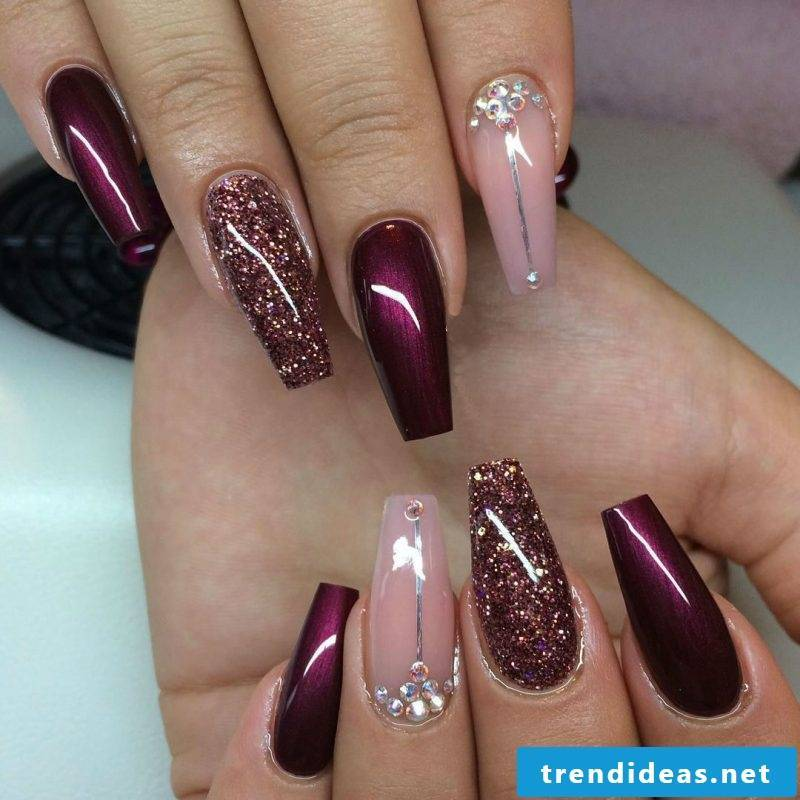 Gel nails pattern wine red