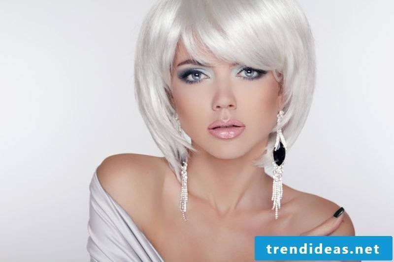 ladies short hairstyles pictures classic