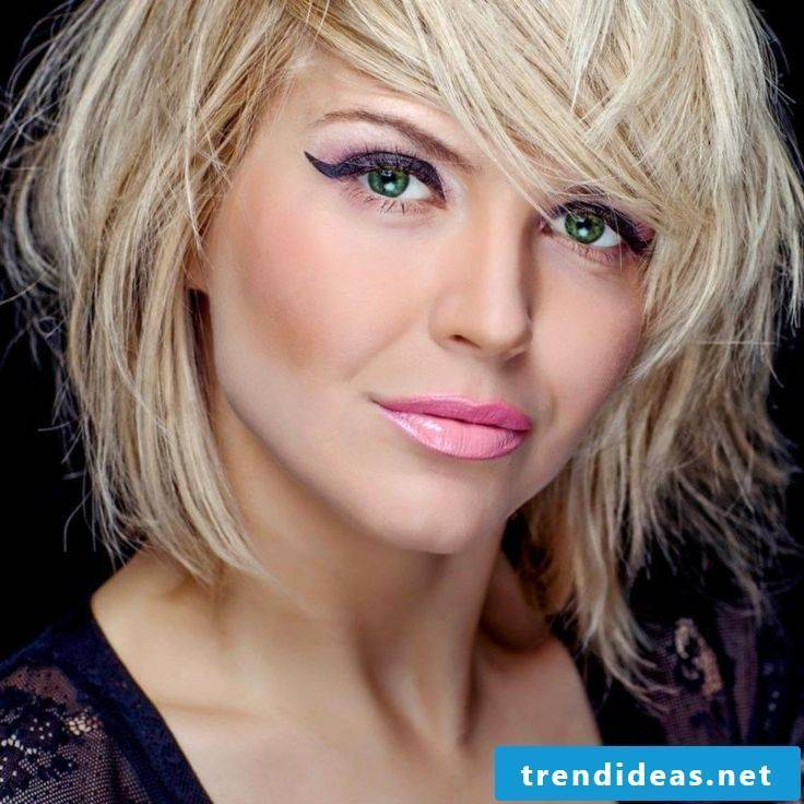 ladies short hairstyles pictures casual