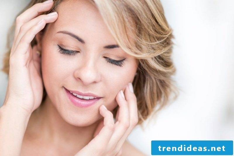 ladies short hairstyles pictures playful