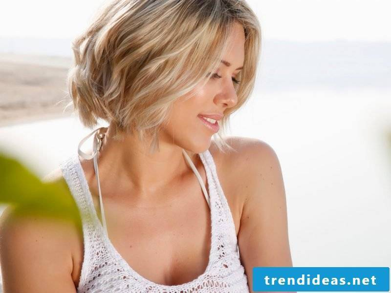 ladies short hairstyles pictures discreetly