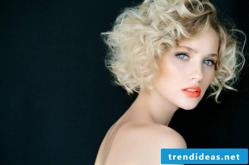 ladies short hairstyles pictures blonde