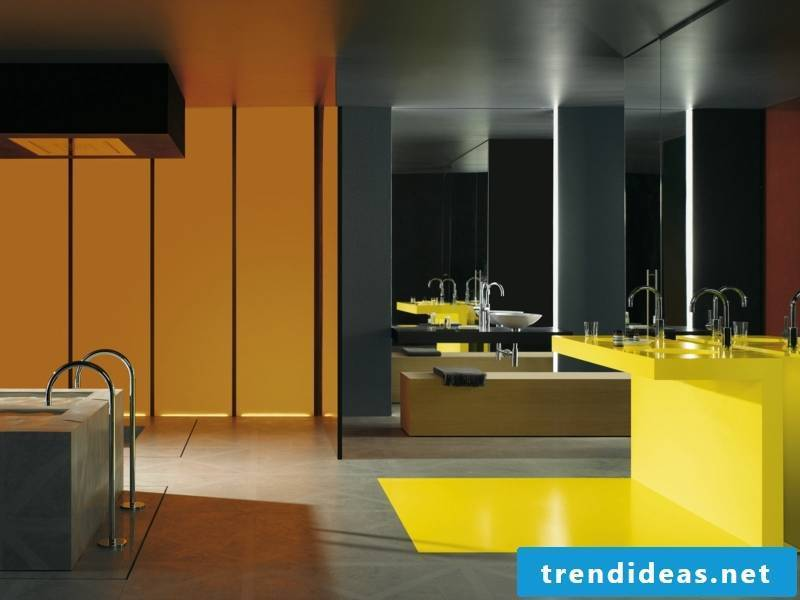 yellow color in the bathroom