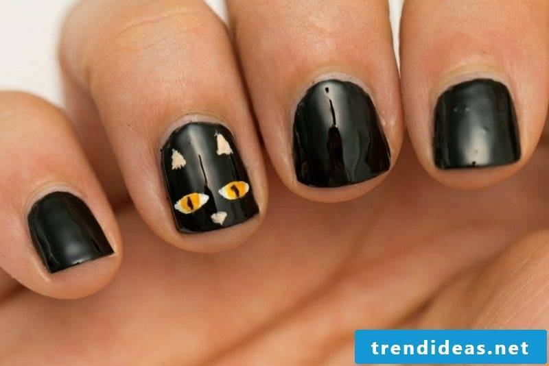 black cat Nail art design pattern for Halloween