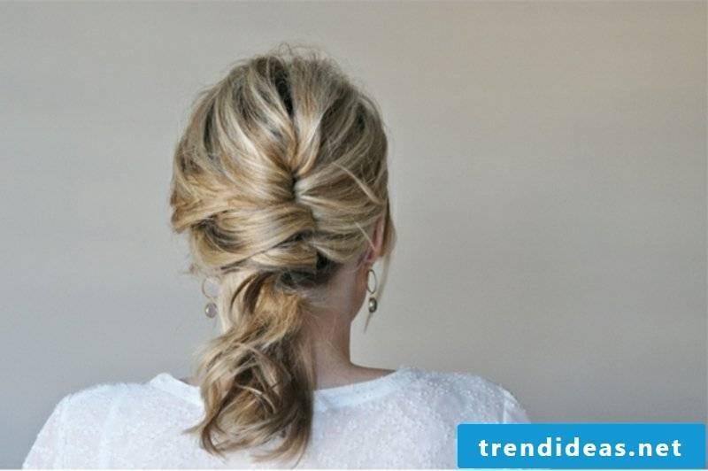 Hairstyle shoulder-length hair