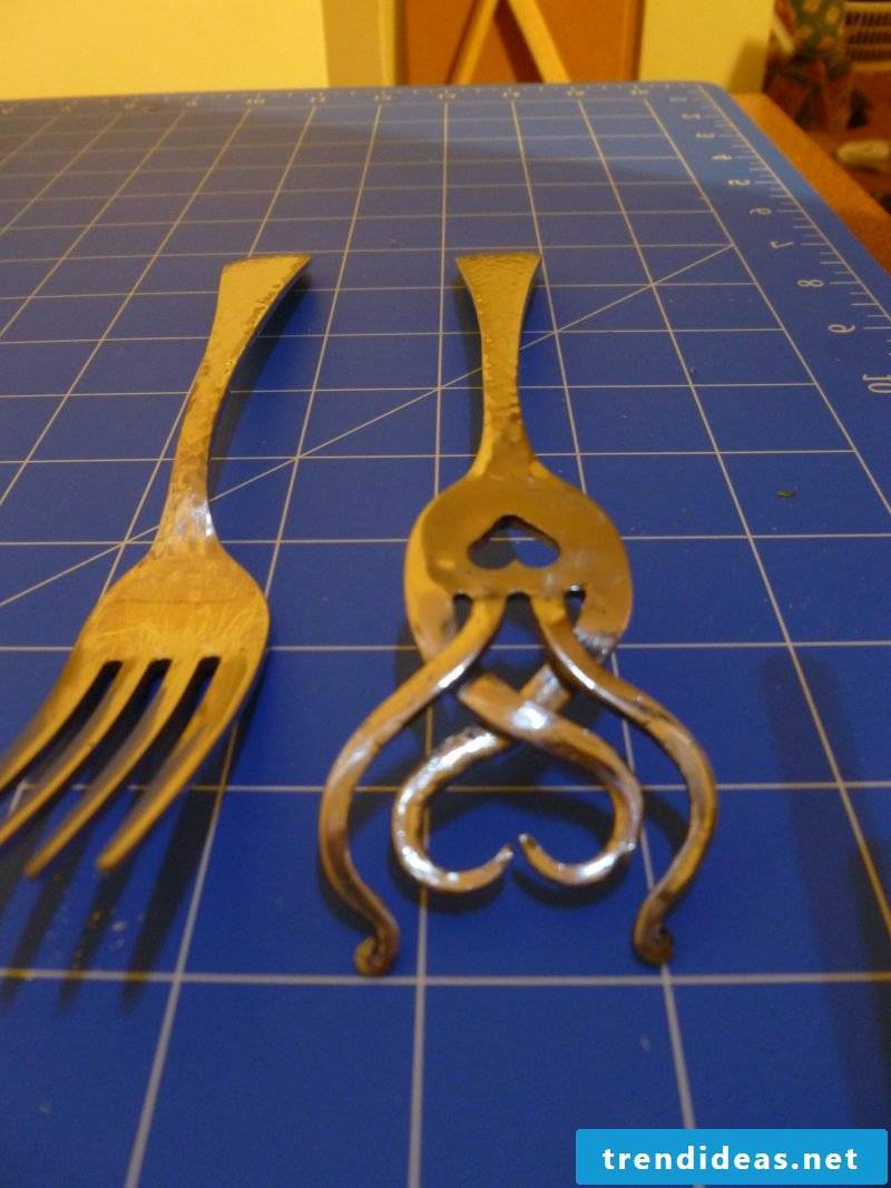 Silver cutlery jewelry Step 9