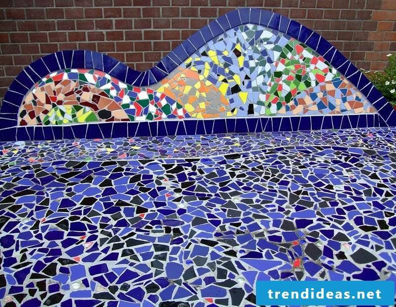 Wall decoration and flooring made of mosaic