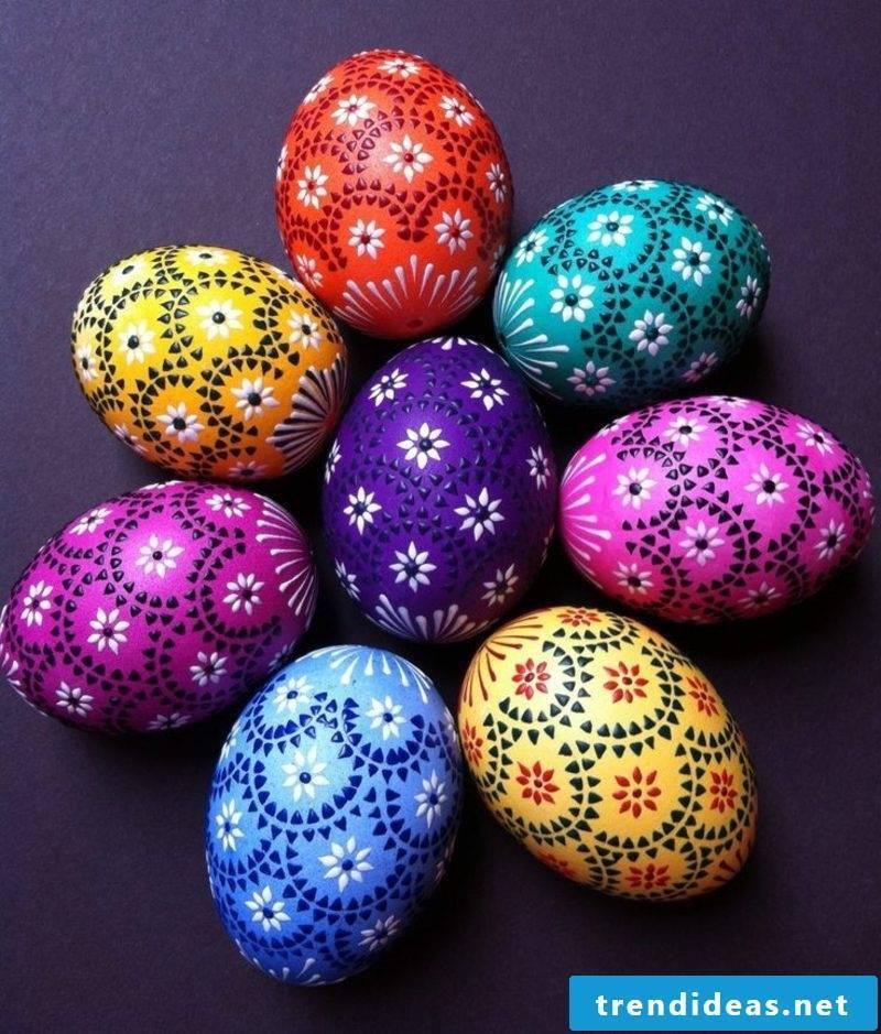 Sorbian easter eggs Bossiertechnik