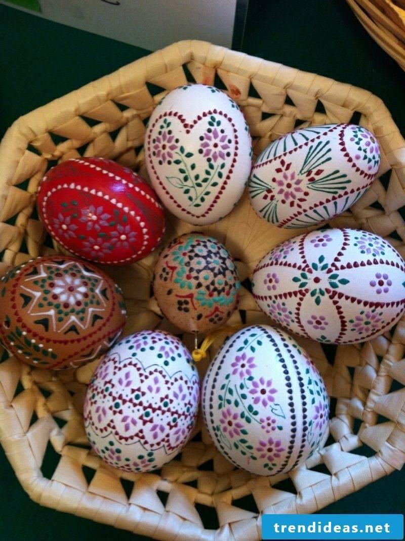 Sorbian easter eggs creative color design Bossiertechnik