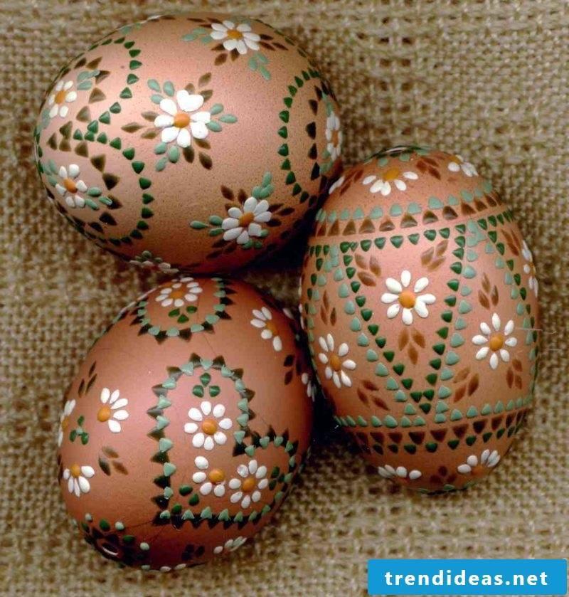 Sorbian easter eggs Decorating ideas Bossiertechnik