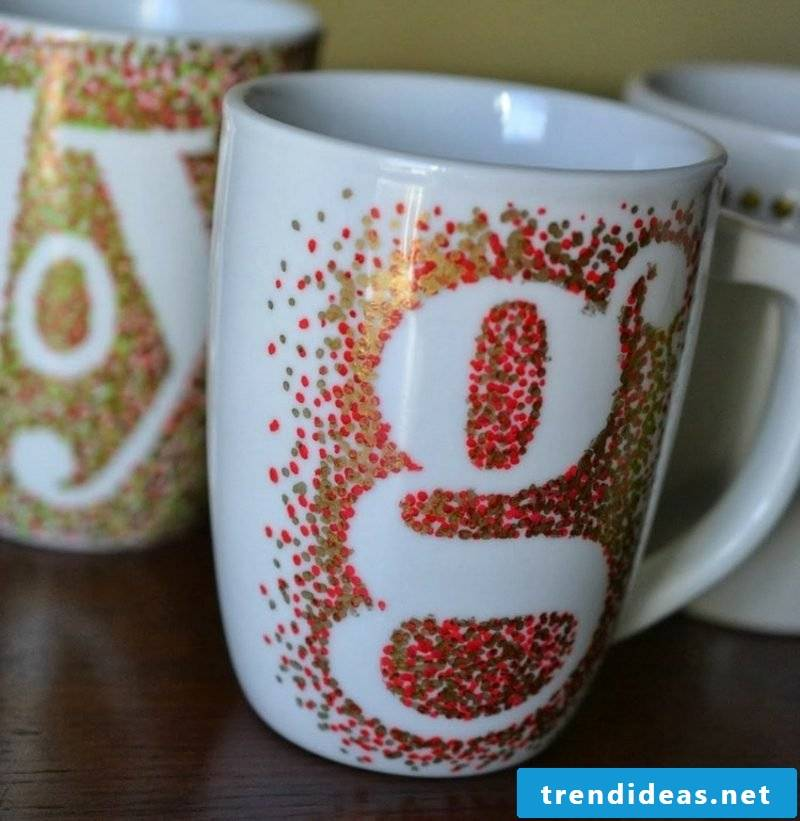 Make Christmas gifts for adults to paint cups