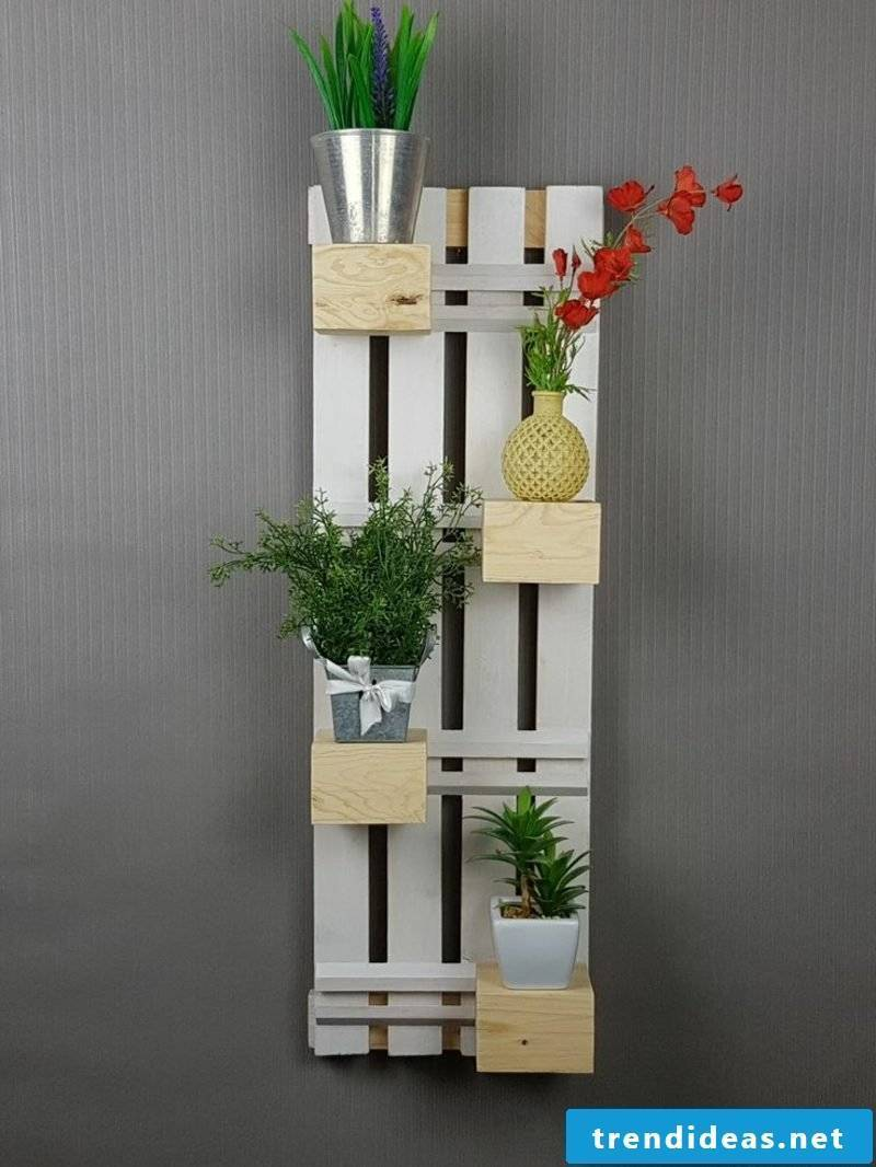 Wall decoration itself make pallet ideas