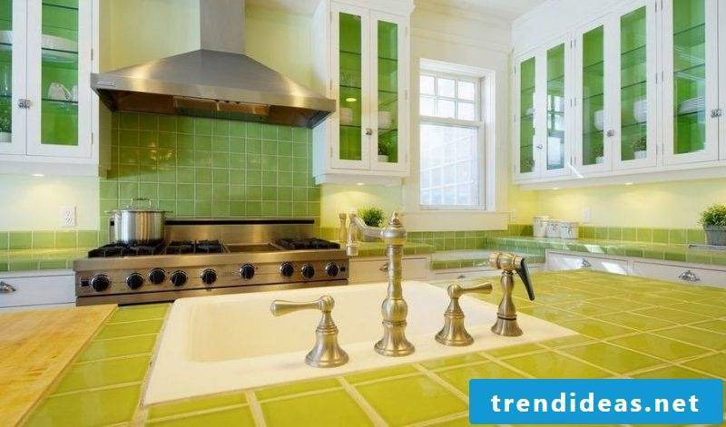 Kitchen tops - bring color with tiles