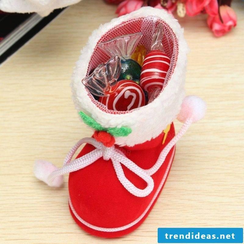 Santa Claus presents creative ideas