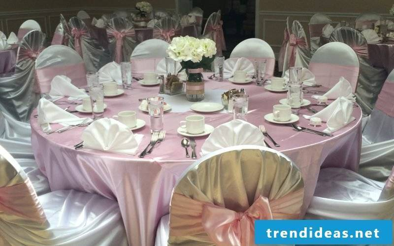 Napkins folding fan wedding