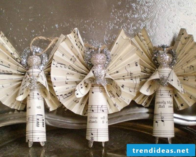 Angel made of music paper itself make craft manuals for Christmas