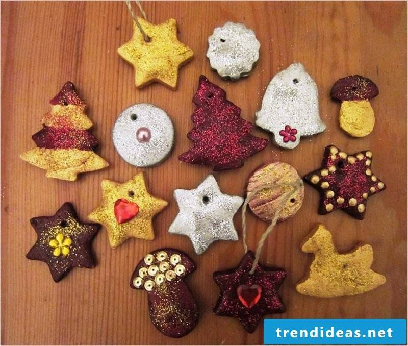 Bastelanleitungen for Christmas Christmas tree decorations from salt dough