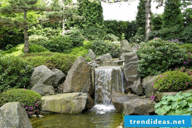 Waterfall orgineller zen garden