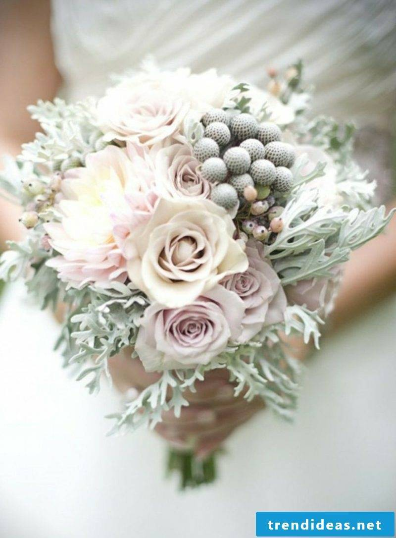 romantic bridal bouquet of roses