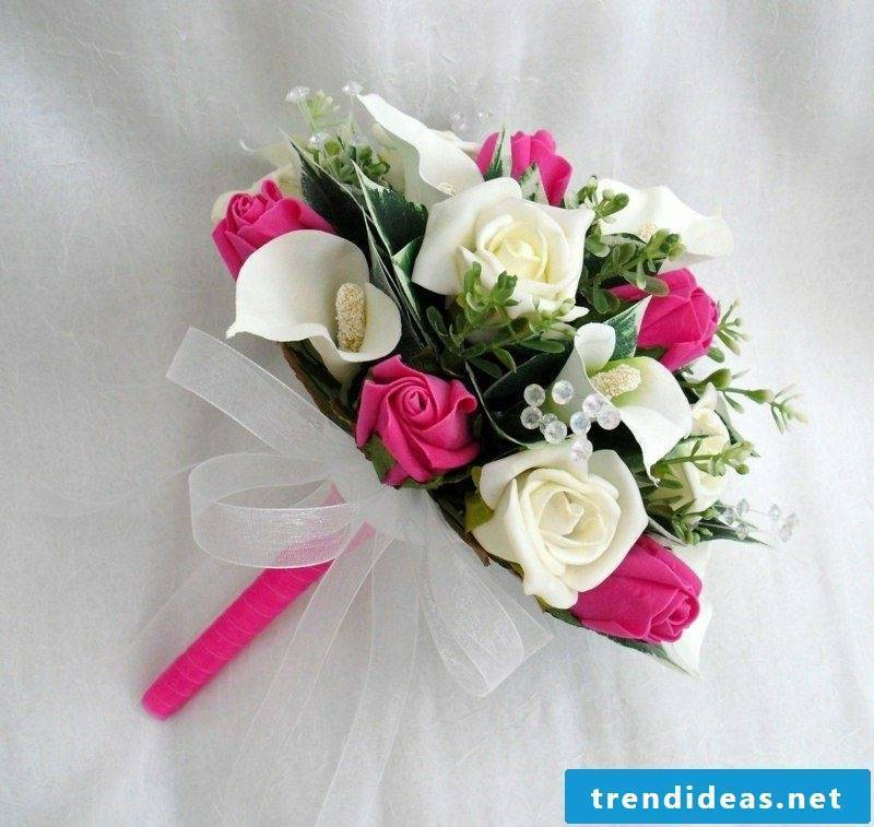 Wedding bouquet in white and pink