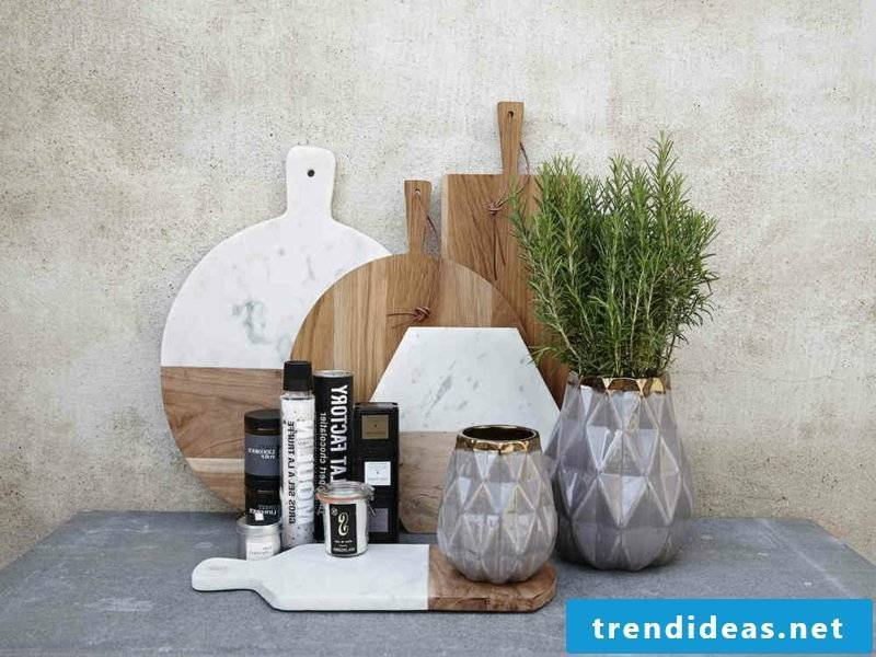 gray gold vases as table decorations