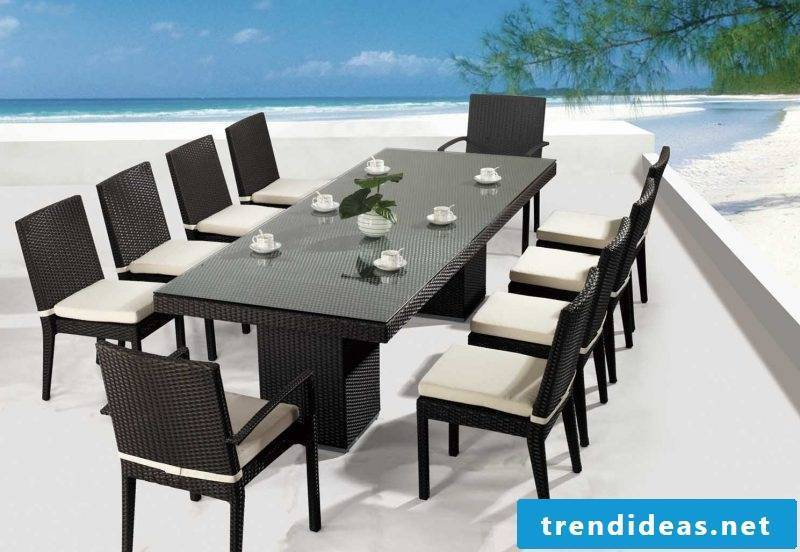 Design garden furniture for large garden