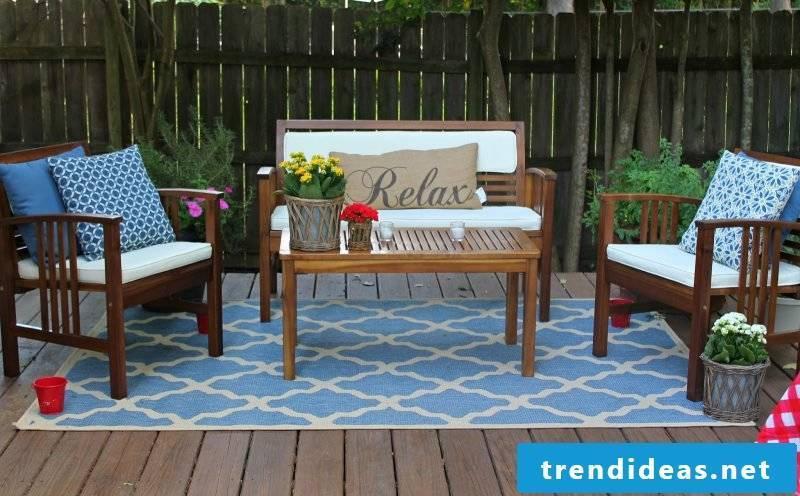 Design garden furniture in solid wood