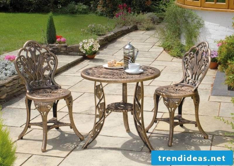 Design garden furniture made of metal