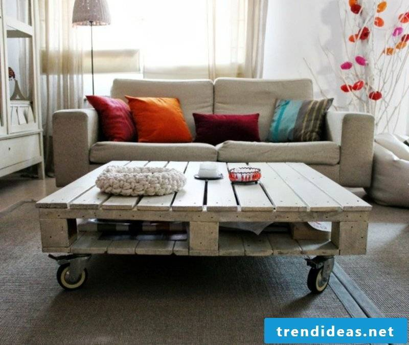 furniture-from-euro pallets-ideas-living room table-roll-wood-pallets Euro-build