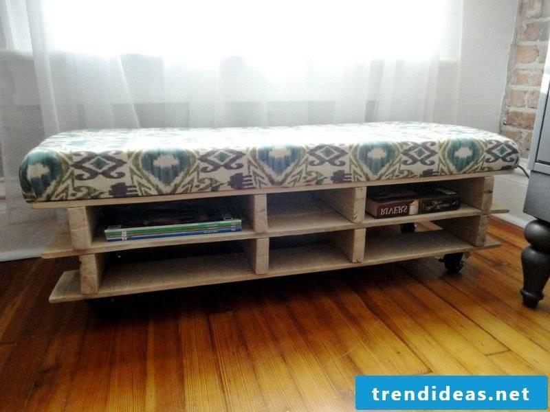 Make original furniture from pallets