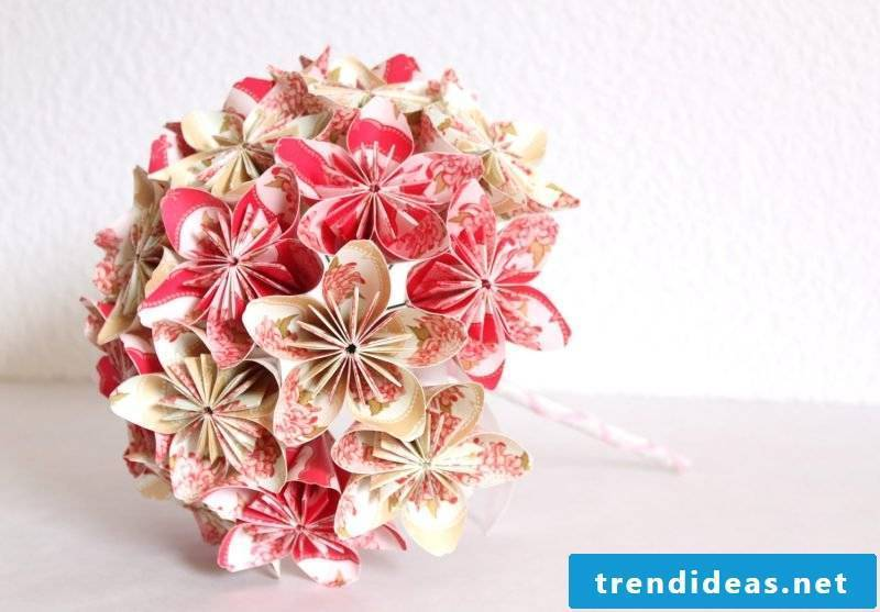Do you know that origami flowers are very popular for bridal bouquet?