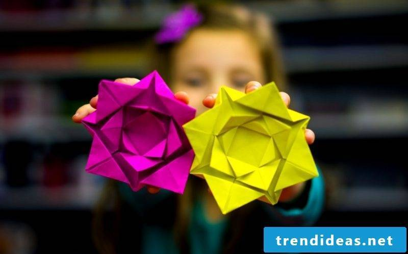 Make origami flowers - the perfect decoration and unique gift idea