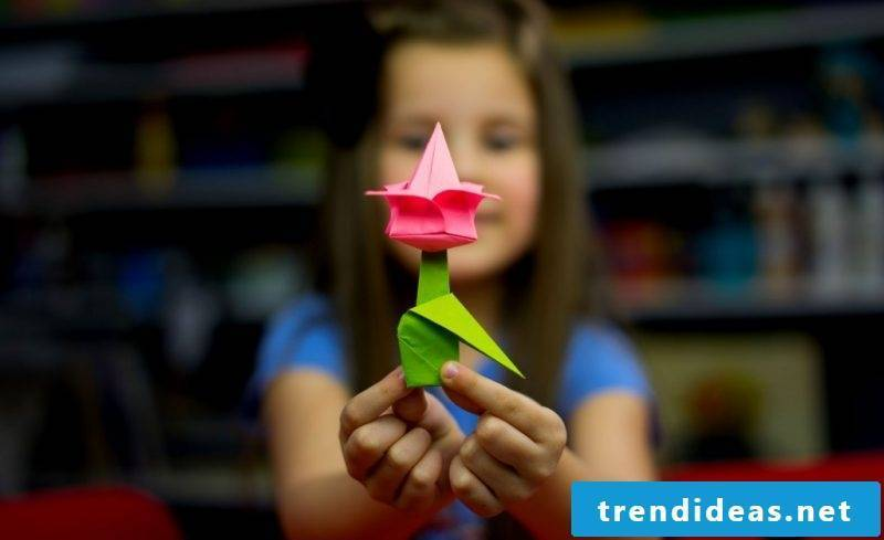 Origami flowers tinker with children