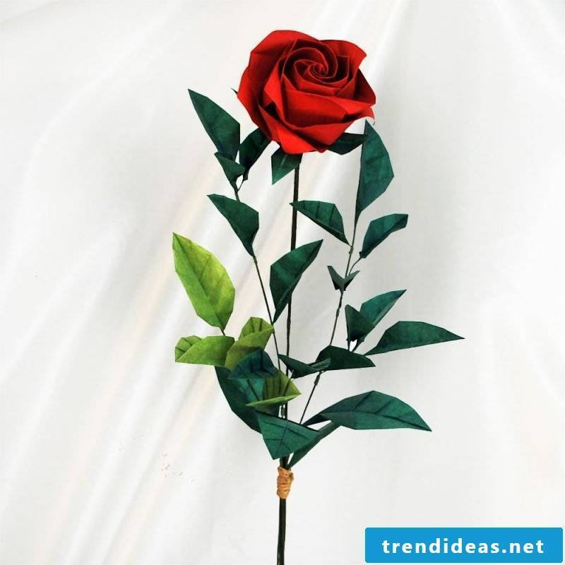 Make origami flower - the eternal rose for the Valentine's Day