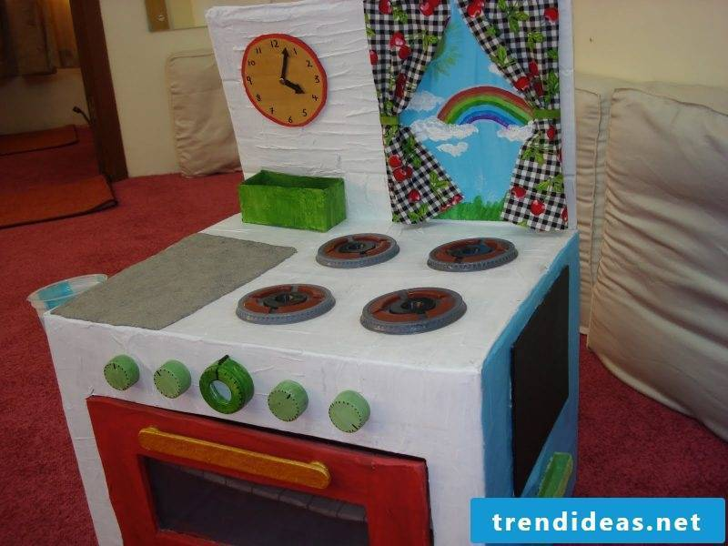 DIY project Children's kitchen build yourself