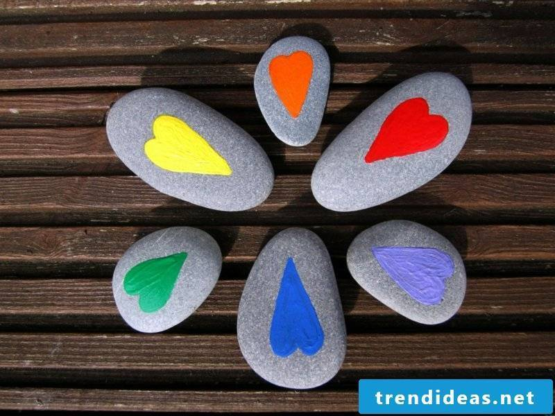 painted stones heart